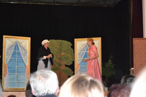 Divadelní představení - Oženíme Vratíka